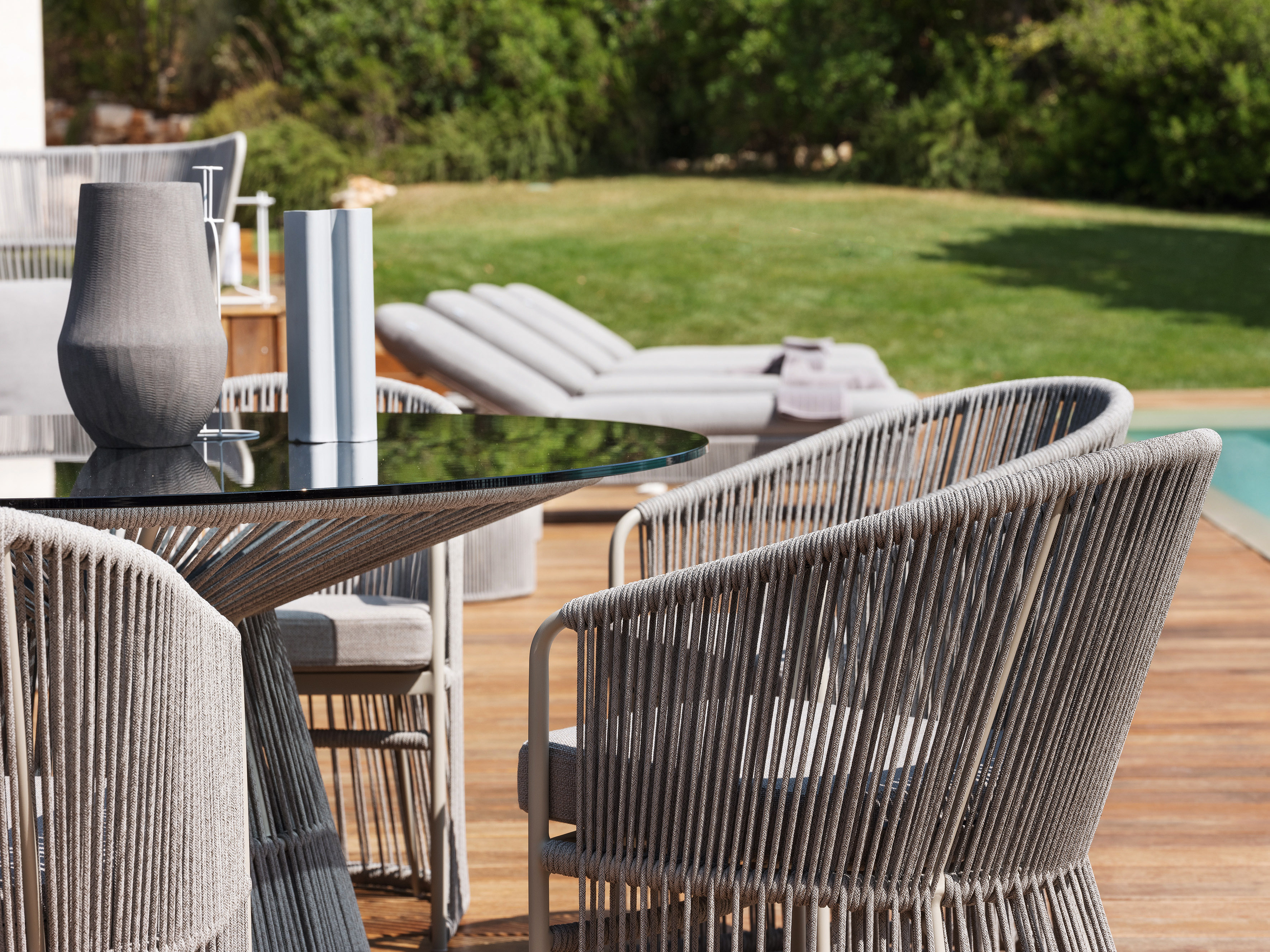 Superbe Garden Furniture HI RES