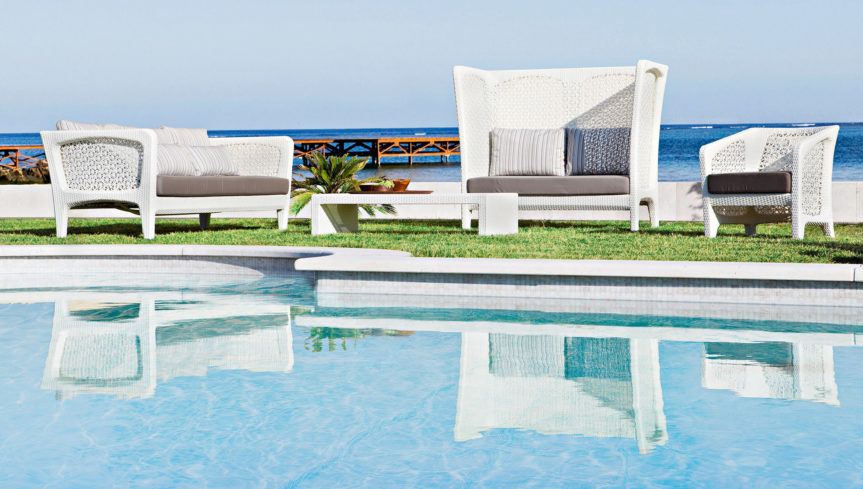garden-plastic-sofa1