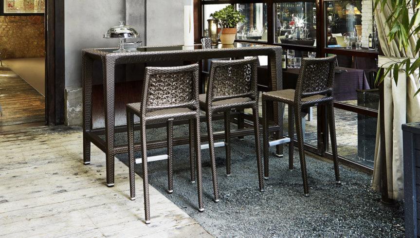 outdoor-bar-stool