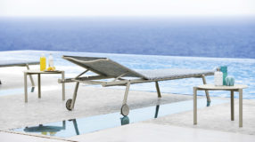 Lettino prendisole da piscina