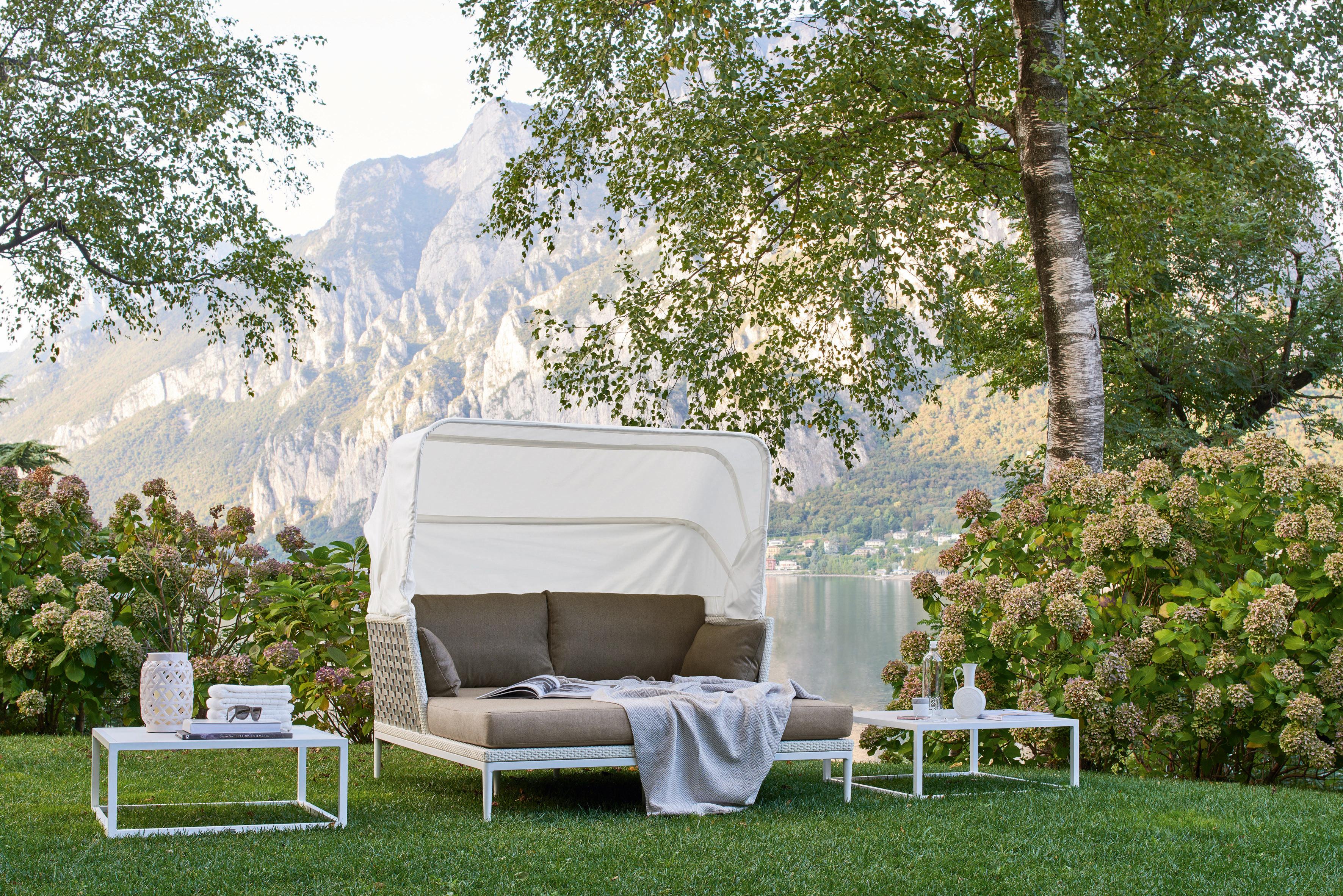 Divano letto da giardino in fibra sintetica intrecciata a for Letto giardino