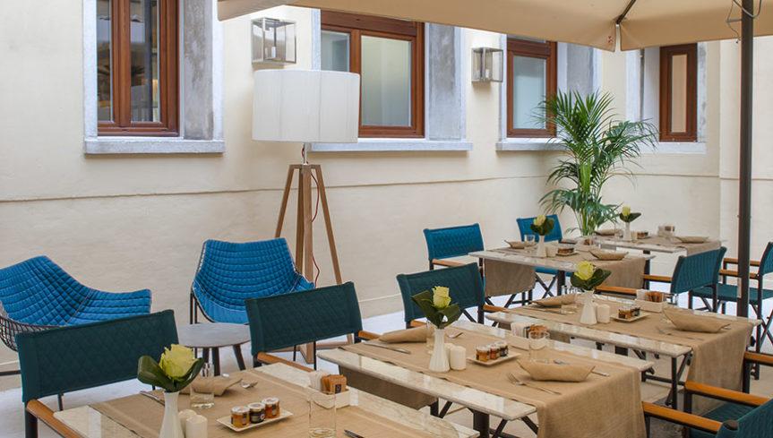 hotel Canova_summersetPoltroncina+victorRegista+summersetTavolino