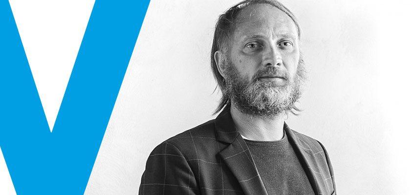 Varaschin - News - Cambio della guardia nella nostra direzione creativa. A Daniele Lo Scalzo Moscheri subentra Edoardo Gherardi. Se ne parla su Pambianco Design di agosto.