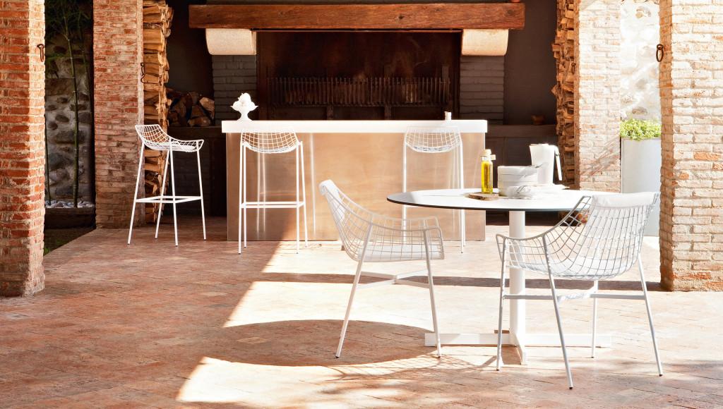Base tavolo per outdoor summerset for Varaschin arredo giardino