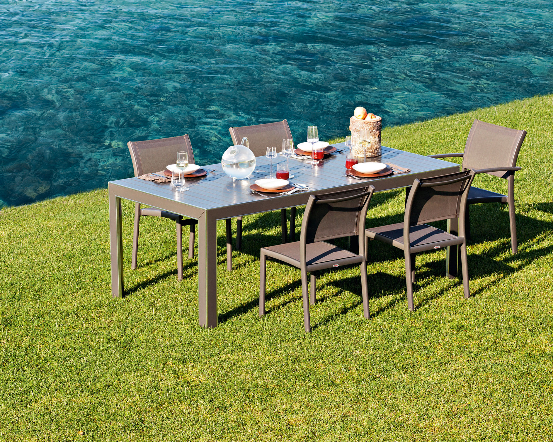 Chair Victor 2901t in addition Mini Pools For Small Backyards additionally Backyard Bliss furthermore Vw Verdiers Concept Stylish Solar Powered Eco C er besides 150758. on summer outdoor furniture classic homes